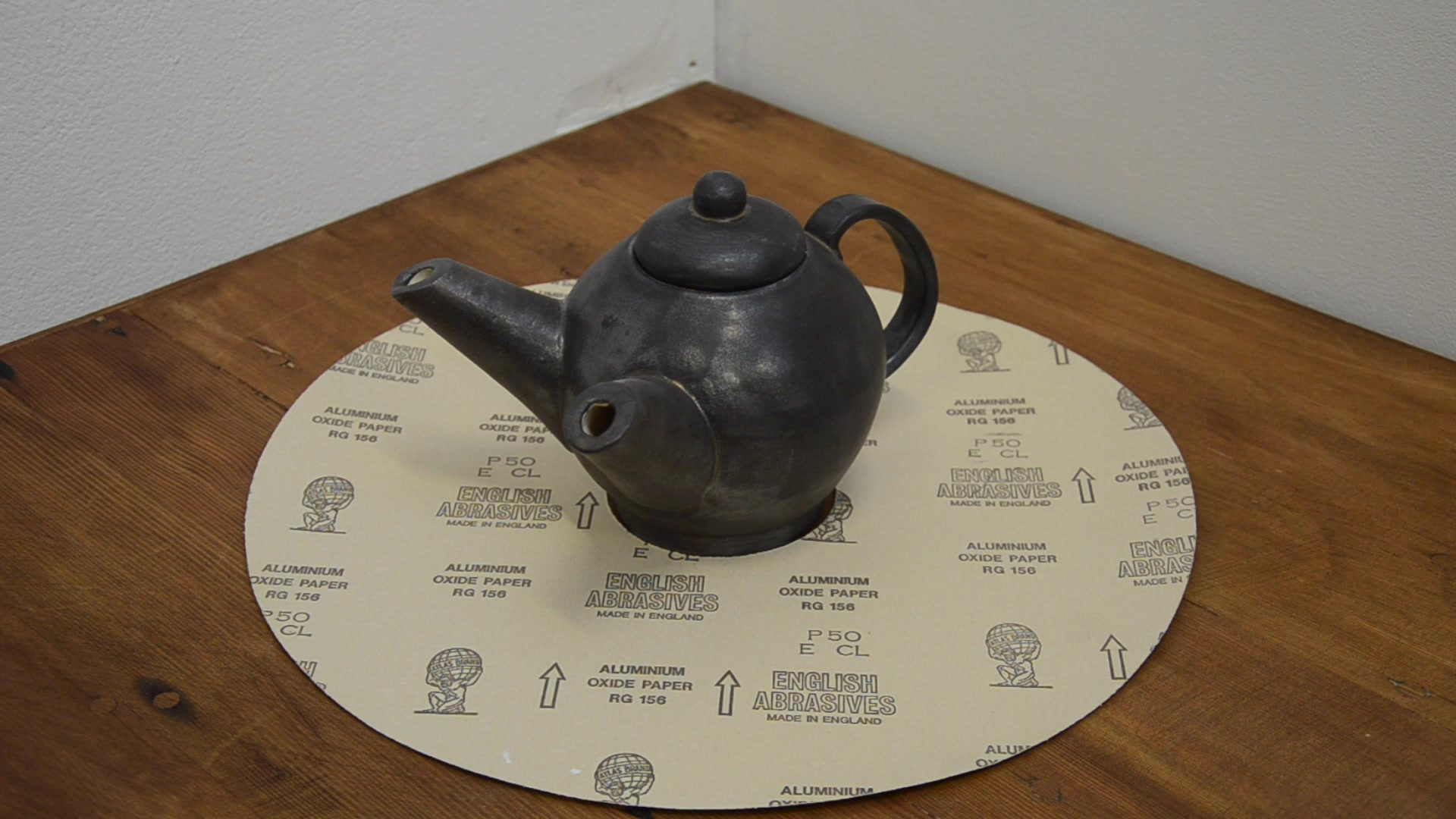 Teapot on Doile