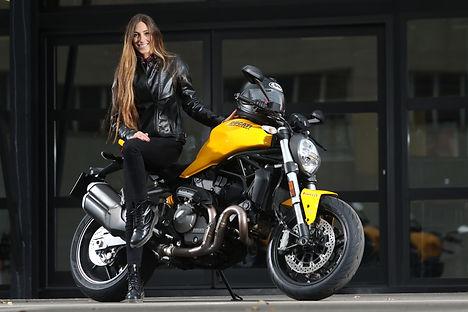 Eguiraun_Pres. Ducati Monster 821_pes1.j