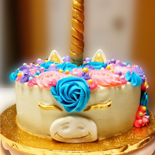 Unicorn Cake (Red Velvet)