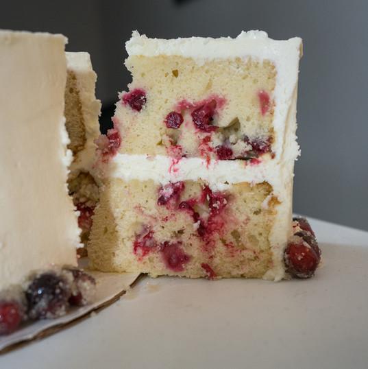 Sparkling White Cranberry cake-cut