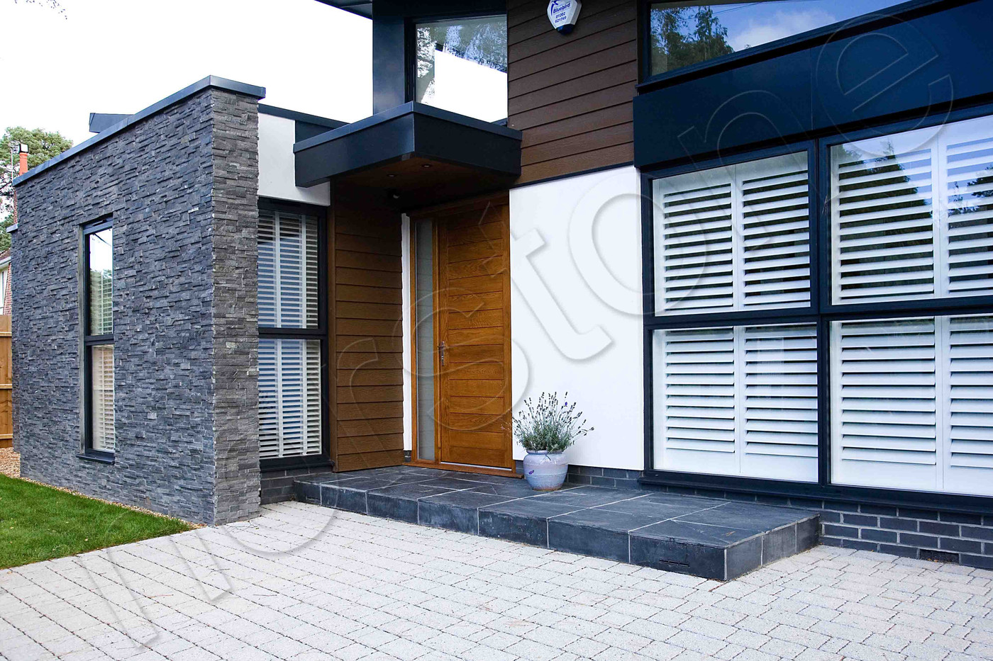 Norstone Rockpanel Charcoal_3.jpg