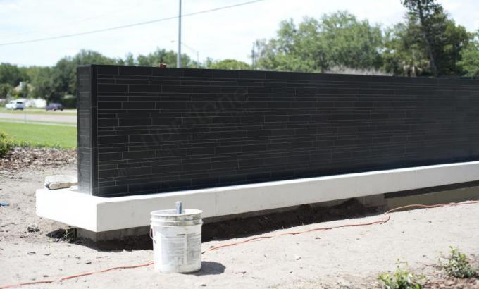 Zeď_Norstone_Lynia_Ebony_Basalt.jpg