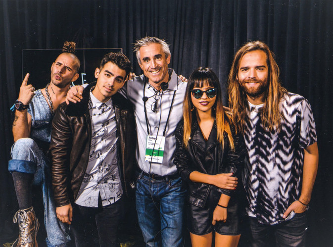 andrew with DNCE