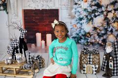 Alysha Daughter Christmas Mini.jpg
