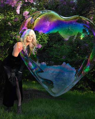 #BubbleofBliss #MakeTimeForJOY  Pure Mag