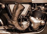 Runnerbull_boots_Biker_Vintage_Tourism_live_virato_seppia.jpg