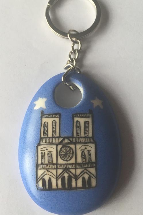 Porte-clefs Notre Dame de Paris en porcelaine de Limoges