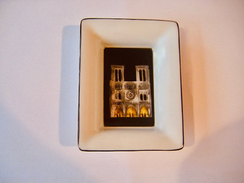 Vide-poche Notre-Dame de Paris selon le son et lumière