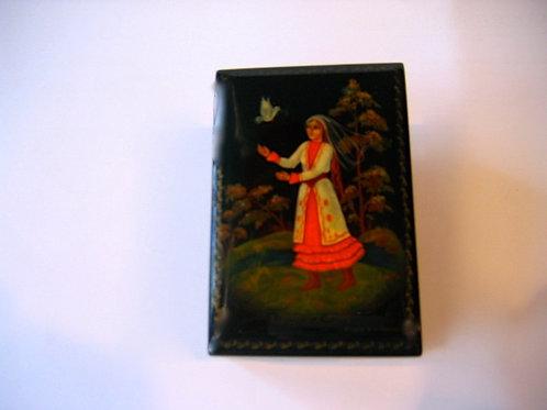 La jeune femme à la colombe - boîte de laque