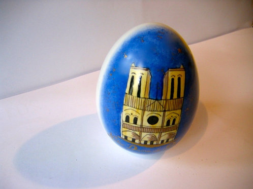 Gros oeuf de porcelaine Notre Dame de Paris