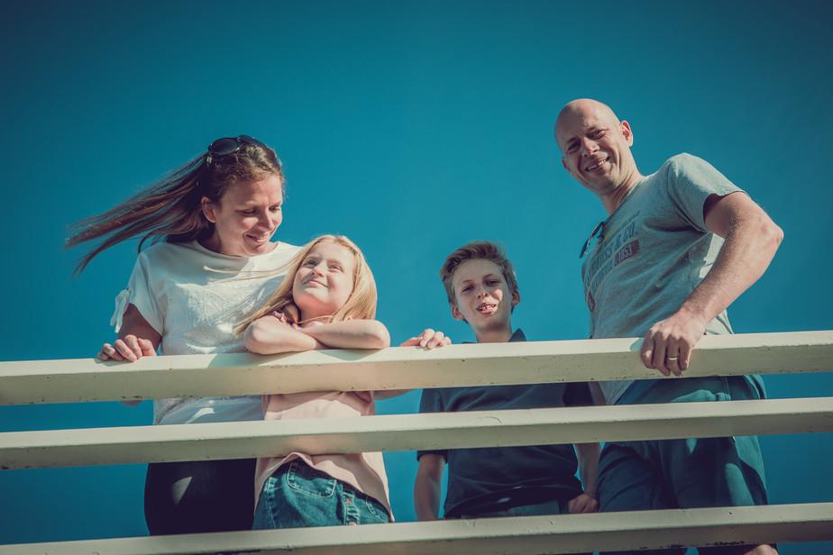 Laid-back Family Beach-Shoot