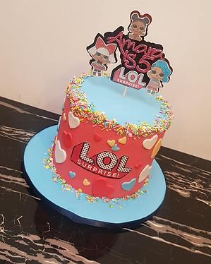 LOL girl's cake
