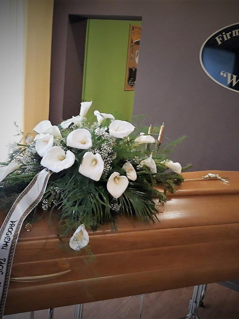 Pogrzeby  Tradycyjne z Trumną