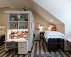 Pi Beta Phi House - Bedroom