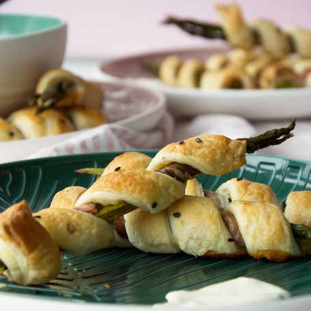 Asparagus & Prosciutto Twirls with Whipped Chive Aioli