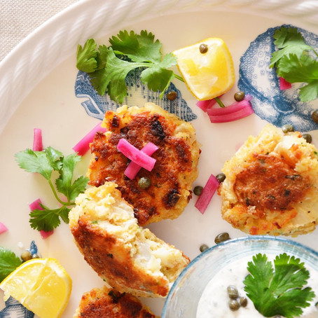 Classic Fish Cakes with Herbed Tartar Sauce