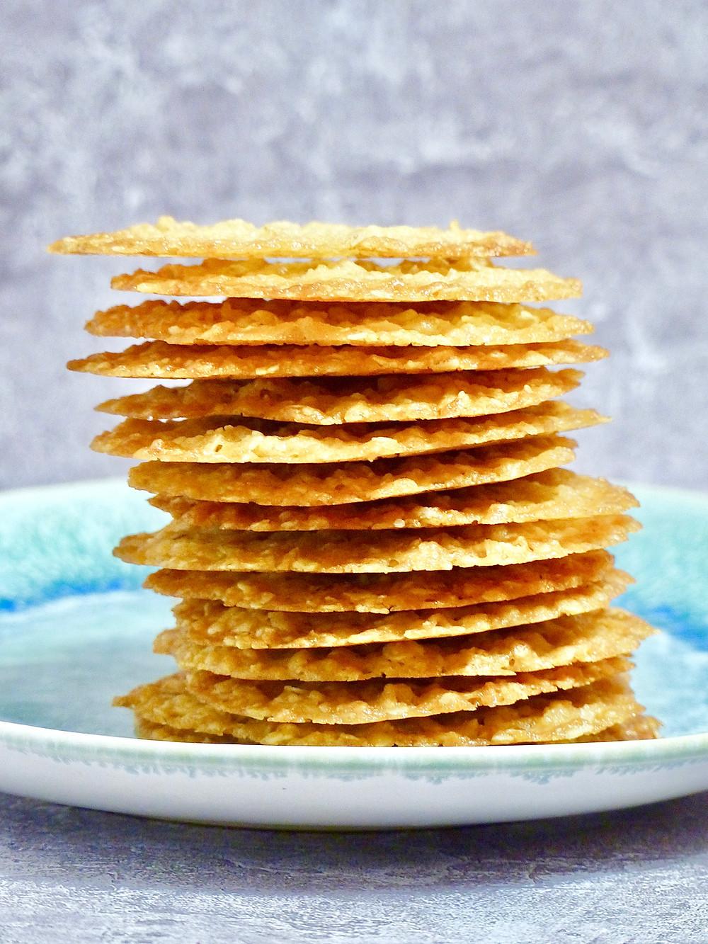 Thin, crispy oat cookies