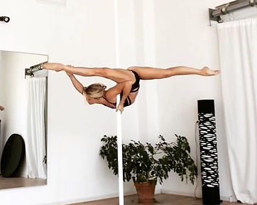 Marie Moulin Pole Dance France
