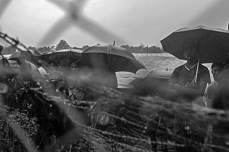 rohingya refugees in Noman's land across