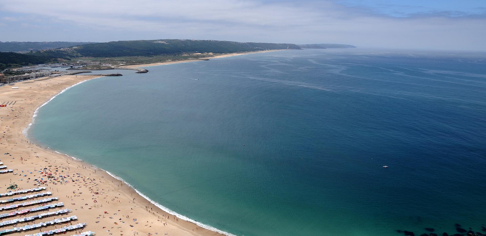 Praia_da_Nazaré.jpg