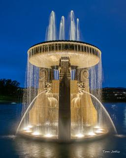 Heartland_Park_Fountain Side