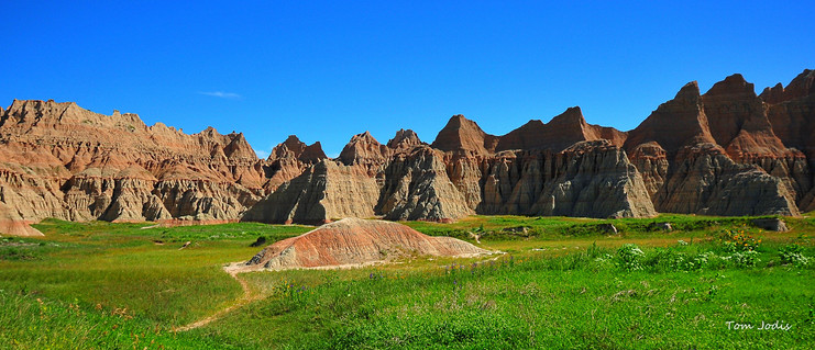 Badlands bump in the middle