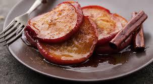 Manzana al horno con canela