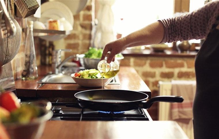 Cooking oil image.jpg
