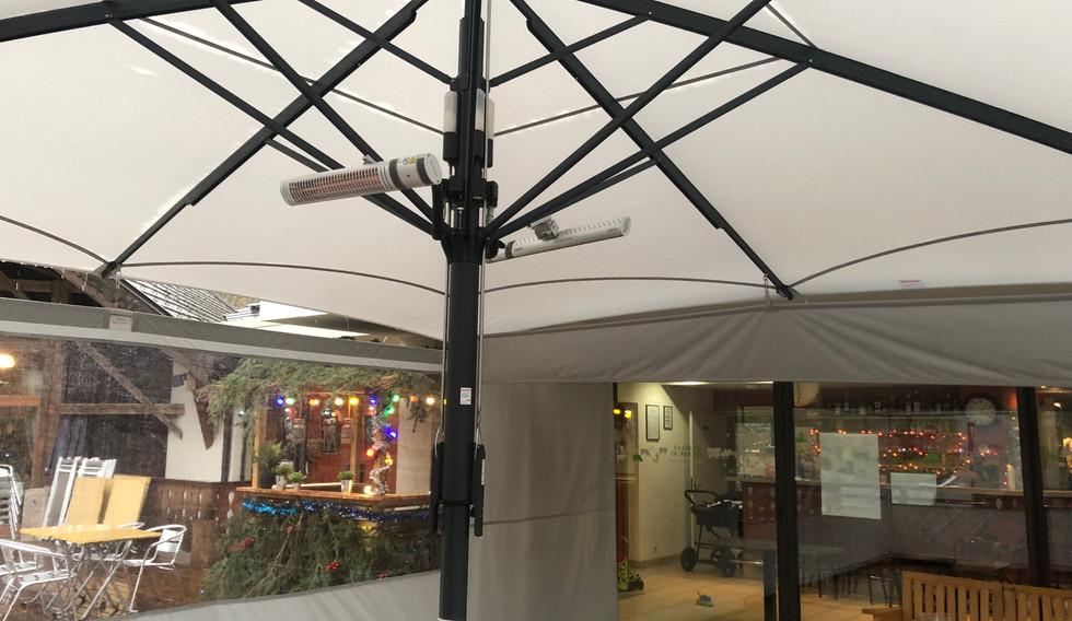 Parasol professionnel- SEYTROUX, La halte du moulin
