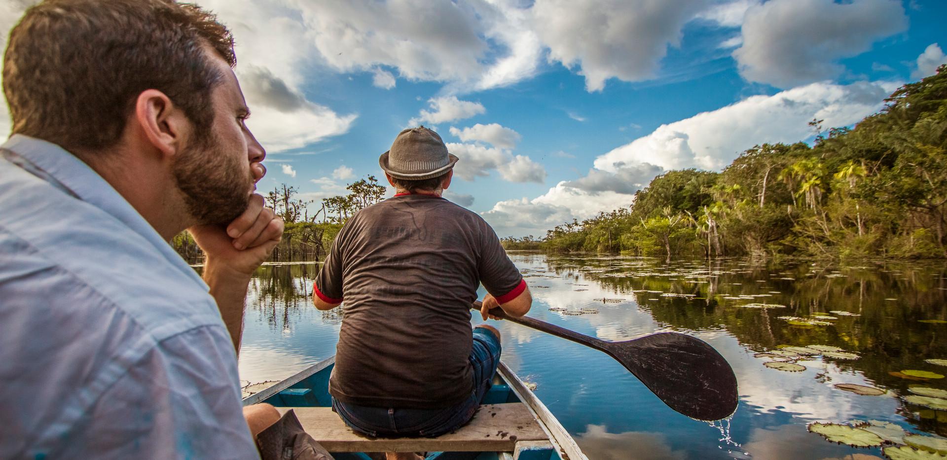 Passeios de canoa por florestas alagadas. Foto de Guilherme Castoldi