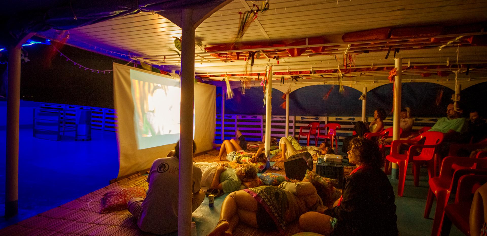 Cinema no barco. Foto: Guilherme Castoldi