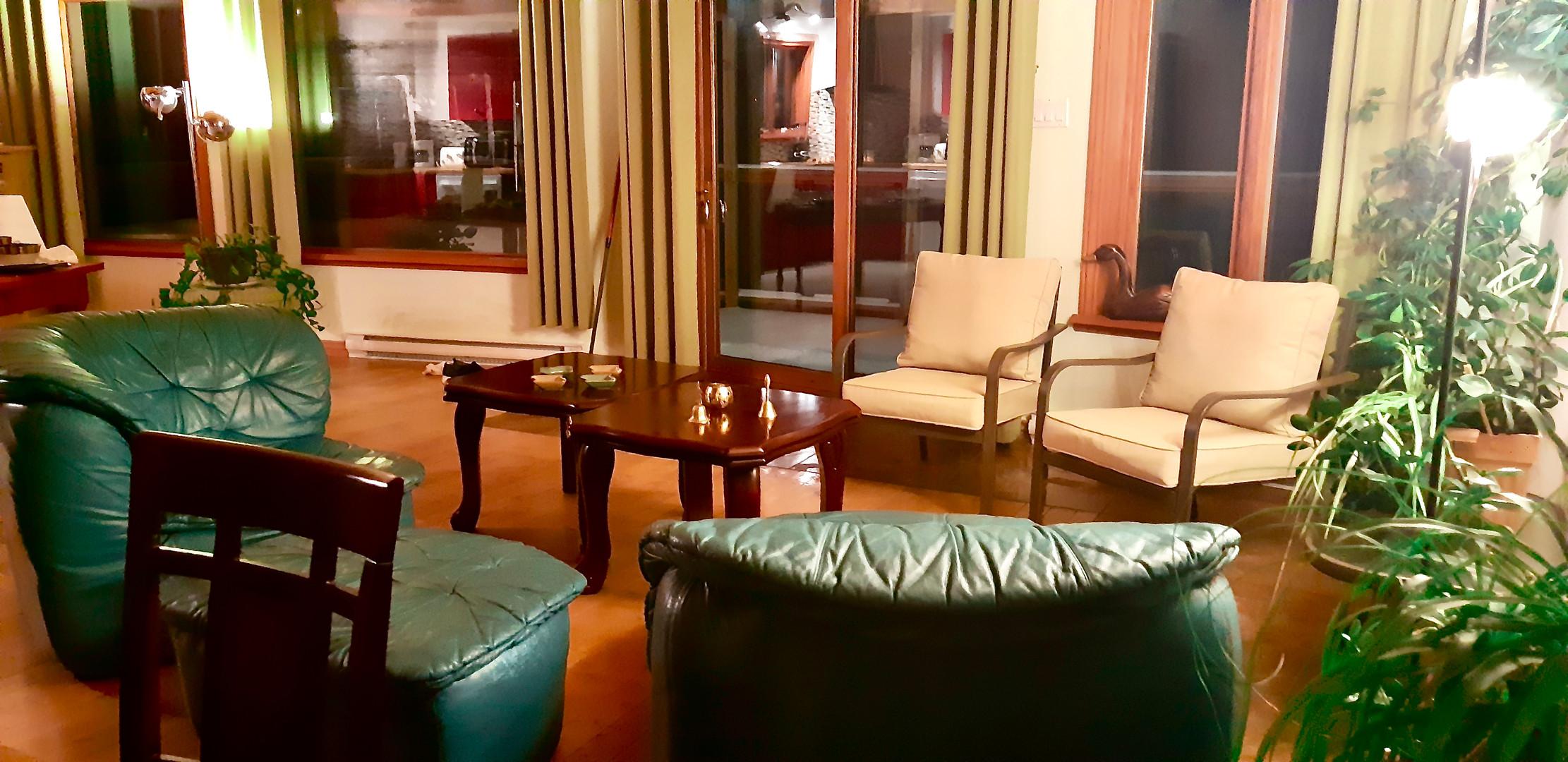 Cascadia 2 - Living room