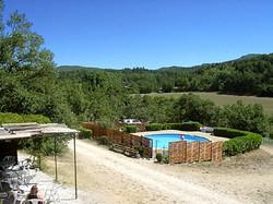 piscine  et vue du domaine