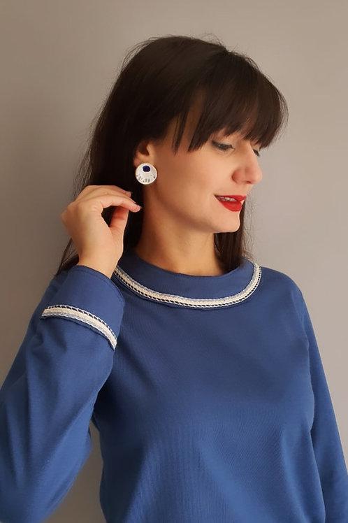 Blusa moletom azul com bordado