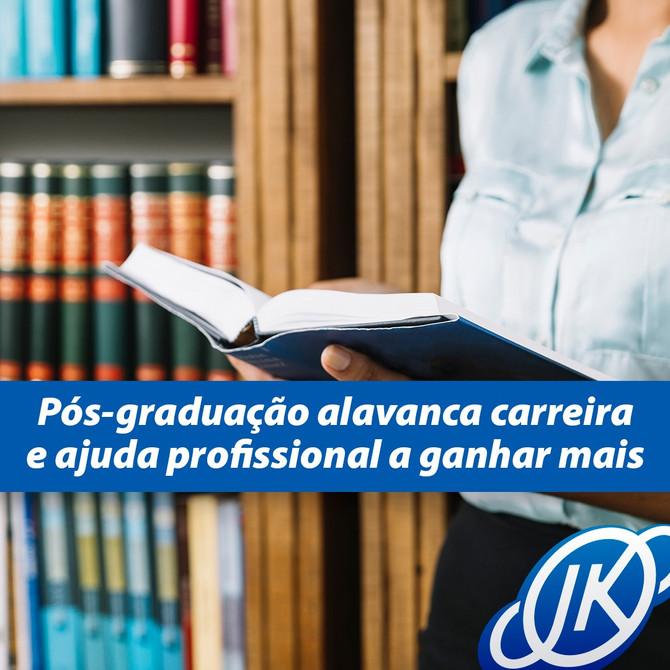 Pesquisas mostram que a remuneração de quem faz uma pós-graduação é maior do que a de quem tem apena