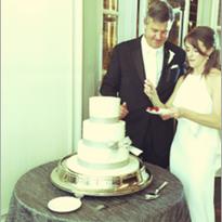 Glamor Couple on their Wedding Day