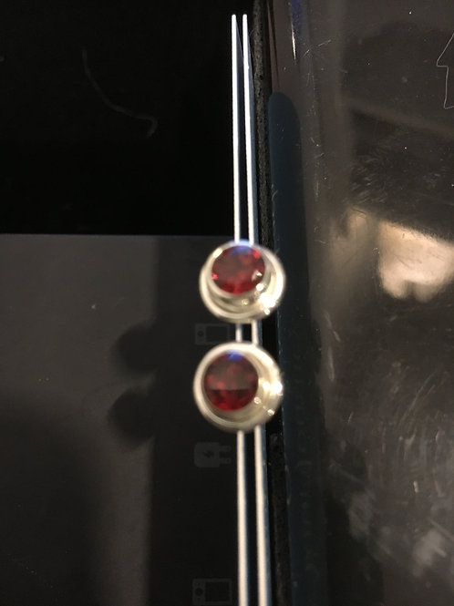 Garnet Small Circle Sterling Silver Stud Ear-rings