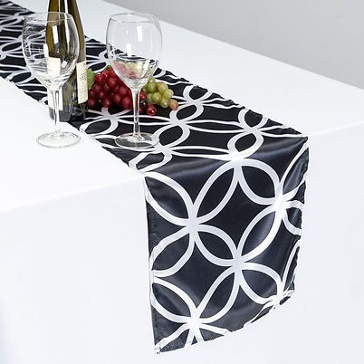Circle Link Table Runner Rental | Unforgettable Events