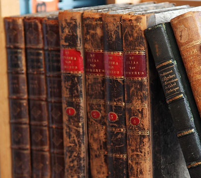 vintage books | Unforgettable Events