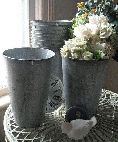 Galvanized bucket with flowers | Unforgettable Events