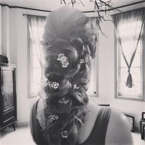 Hochzeitsfrisur mit Blumen