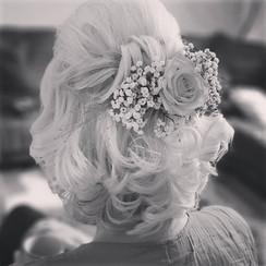 Haarstyling Hochzeit