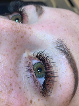 mixed eyelash extensions