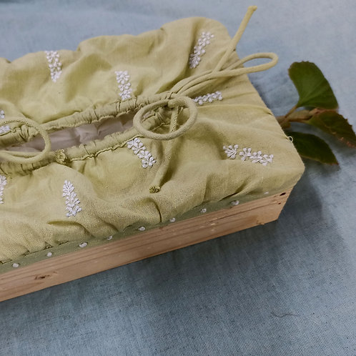 Shallaki Chikankari Tissue Box with Wooden base