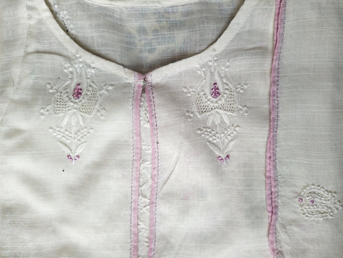Kusum Chikankari Embroidered Front-open Handwoven Shrug