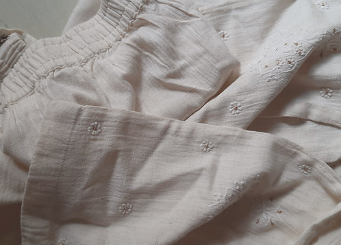 Karanika Chikankari Embroidered Slim FitPants