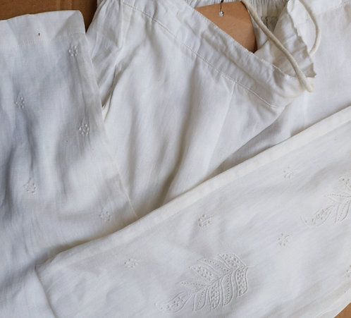 Parnil Chikankari Embroidered Slim FitPants