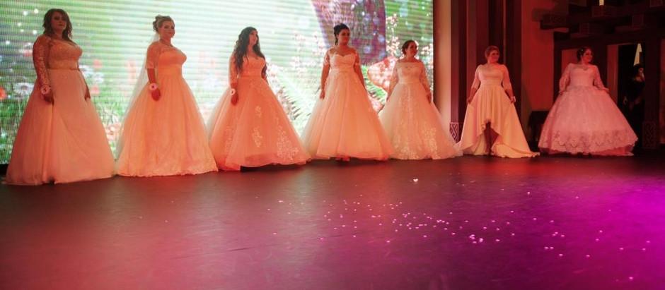 «Худеть нельзя!» — в Петербурге прошел конкурс красоты среди пышных моделей