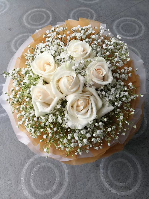 6 milky white rose bouquet
