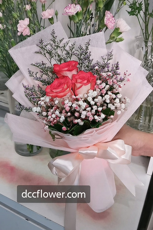 3 two tone red rose bouquet